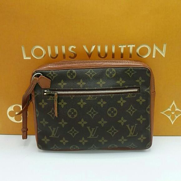 Louis Vuitton Handbags - Authentic Louis Vuitton Sac sport wristlet clutch bc32491945d